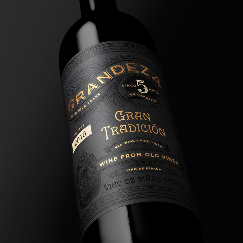 Grandeza bottle close up